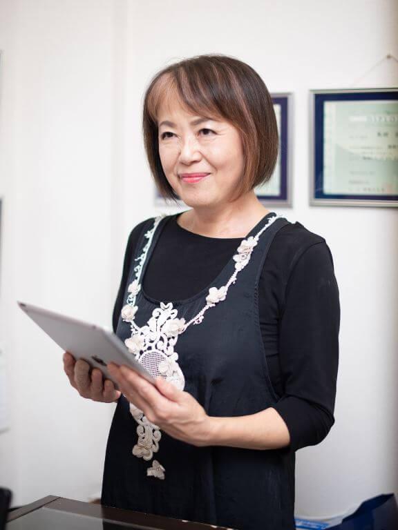 エステティシャン歴21年健康痩身の会北陸支部長でありソワンジュスタッフの森田壽子